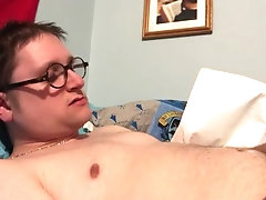 Twink jerks to pornhub—-big cock, fast shooter