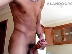 Alan Do Oro jerking off in the kitchen