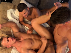 RAWEURO Bottom Twink Jeffrey Lloyd Barebacked By Two Jocks