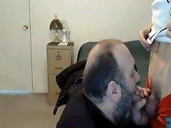 Bear sucking a twink off
