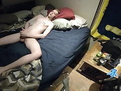 Young high school gay boy cums on sheets (Full vide)